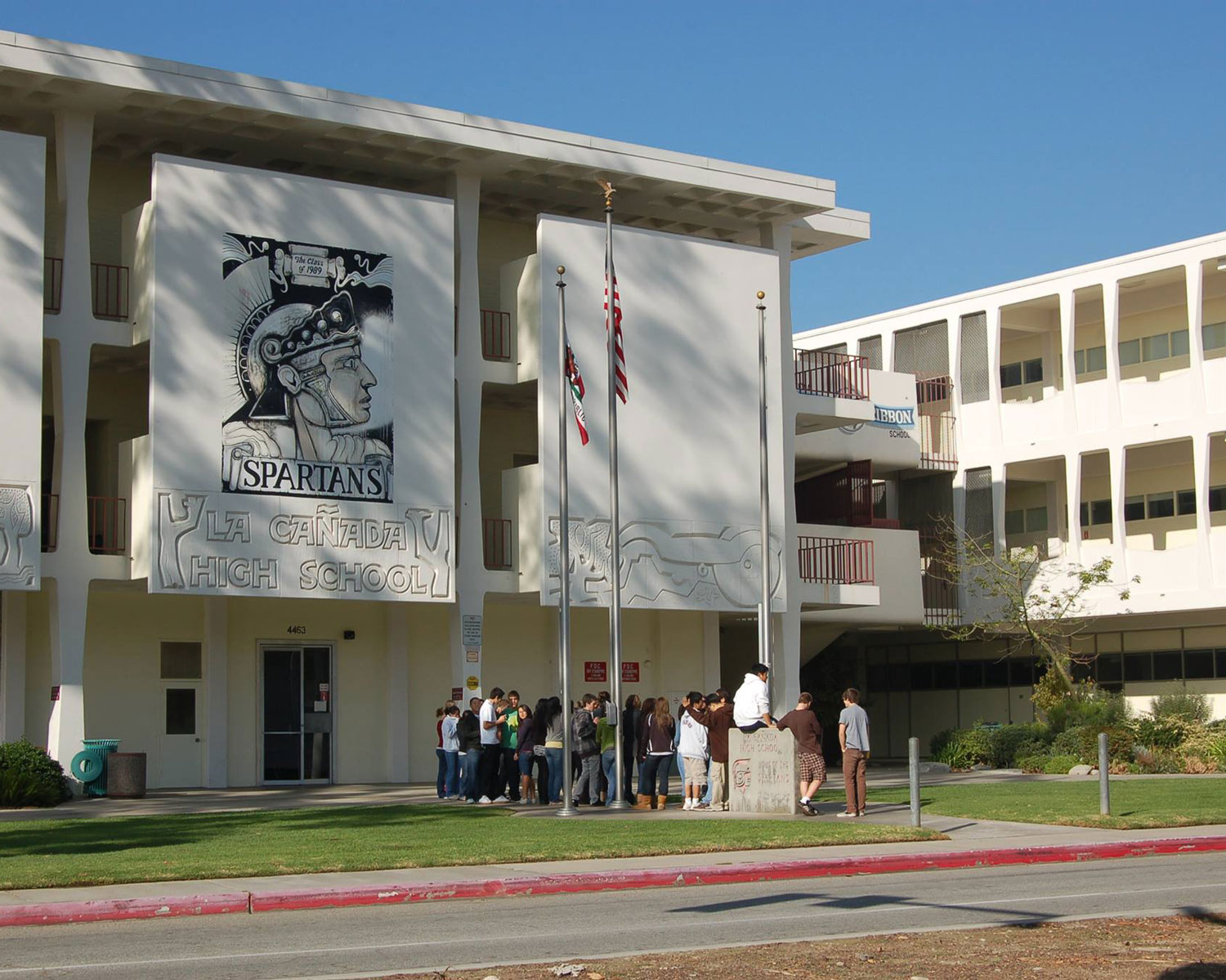 Pasadena City College signs dual enrollment agreement with La Cañada Unified School District